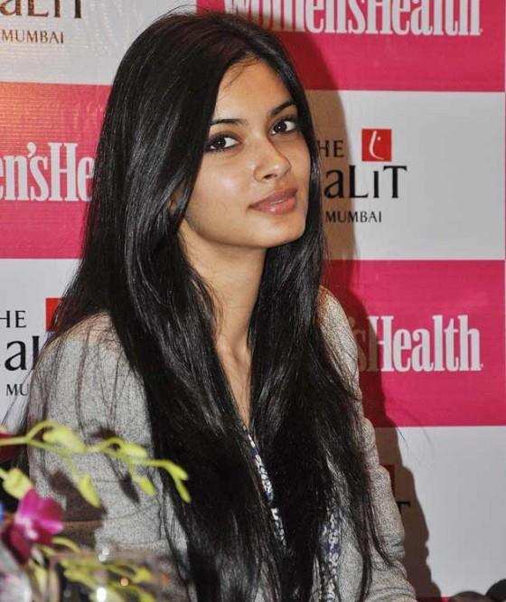 Diana Glamorous Look Photo Clicked At Launch Of Womens Health Magazine