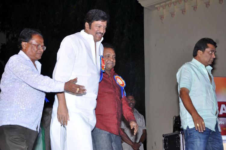 Actor Dr.Rajendra Prasad Walks In To Attend The Dr.Rajendra Prasad Sanmanam Function