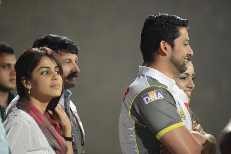 Genelia D'Souza And Aftab Shivdasani At CCL 3 Final Telugu Warriors Vs Karnataka Bulldozers Match Event