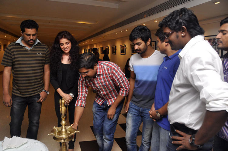 Madhura Lightening The Lamp At Back Bench Student Movie Photo Exhibition