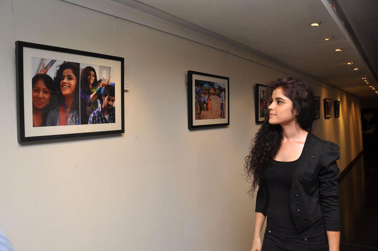 Piaa Bajpai Snapped At Back Bench Student Movie Photo Exhibition