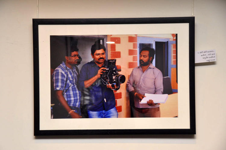 A Working Still Photo Of Movie Back Bench Student At Photo Exhibition