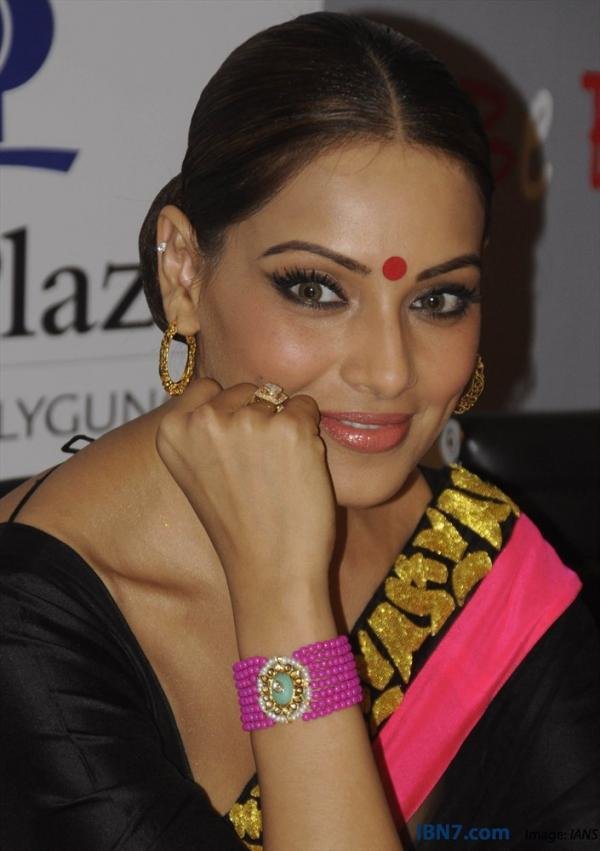 Bipasha Stunning Look Photo Clicked At Aatma Press Conference