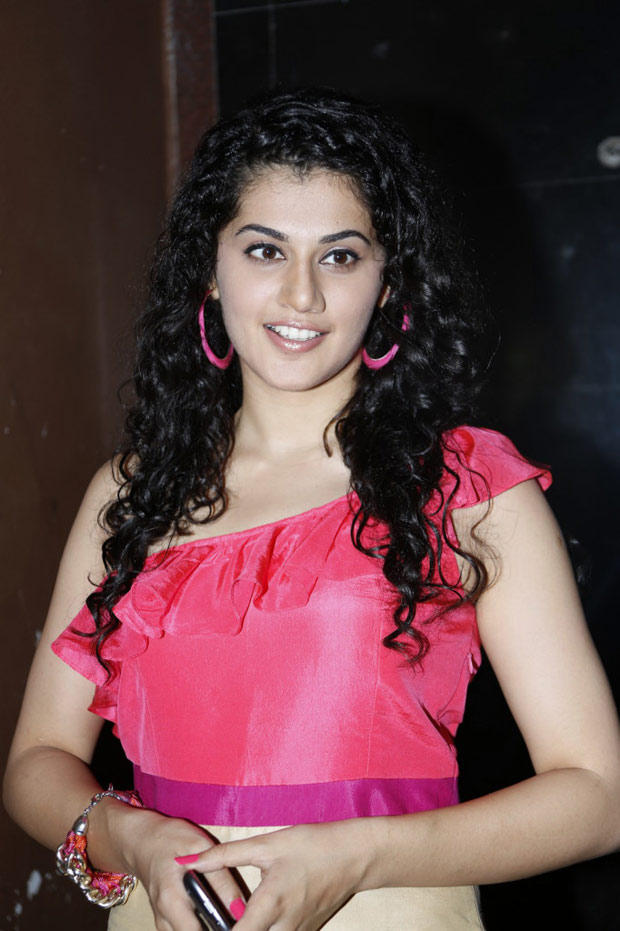 Taapsee Pannu Cute Look At Radio Josh Launch Event