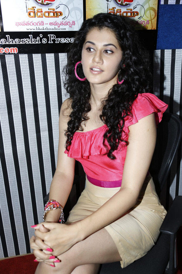 Taapsee Pannu Dazzles At Radio Josh Launch Event