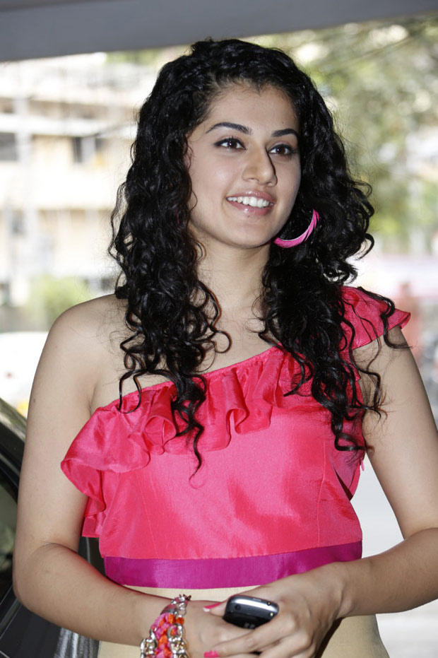 Taapsee Pannu Glamour Look At Radio Josh Launch Event