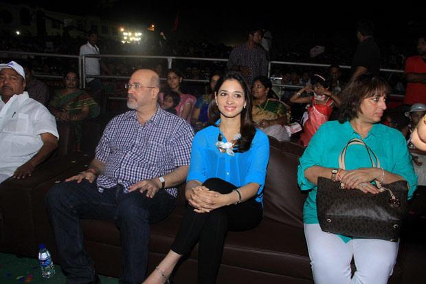 Tamannaah Bhatia Enjoy The Programme At Sri Venkateswara College Festival