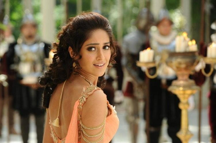 Ileana D'Cruz Stunning Look Photo Still From Movie Nanban