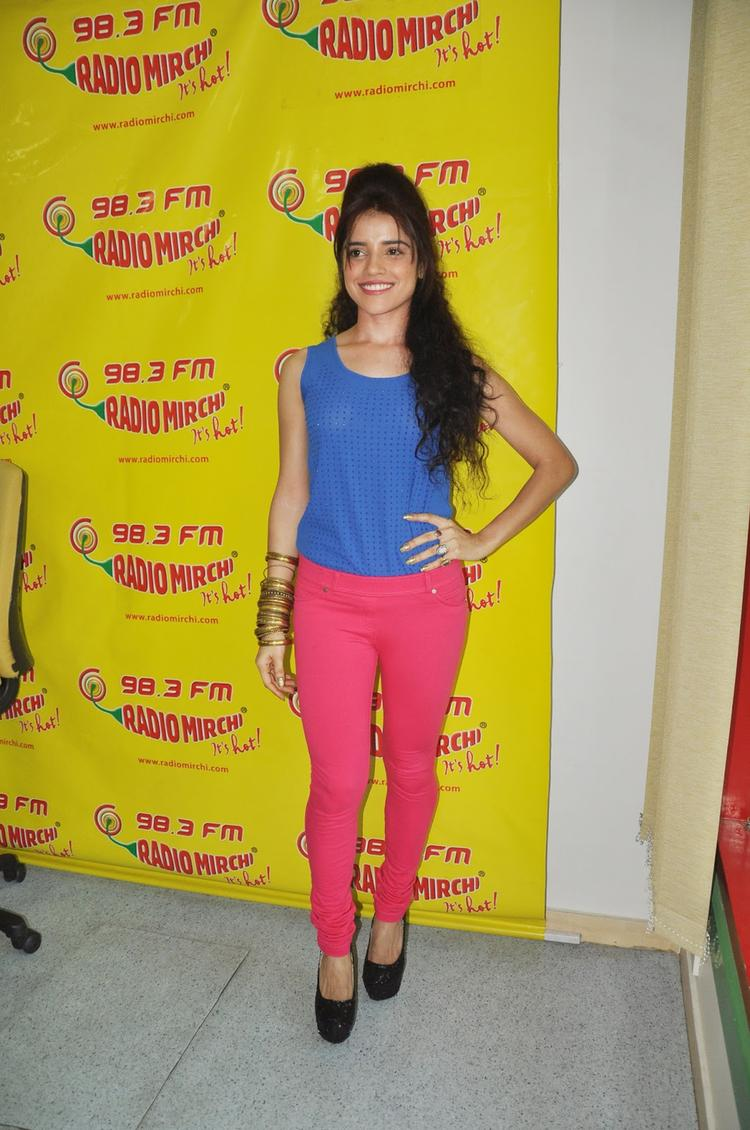 Piaa Strikes A Pose At Radio Mirchi FM Studio To Promote Back Bench Student