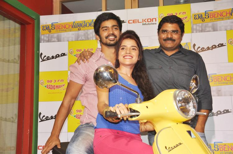 Piaa,Mahat And Madhura Spotted At Radio Mirchi FM Studio To Promote Back Bench Student