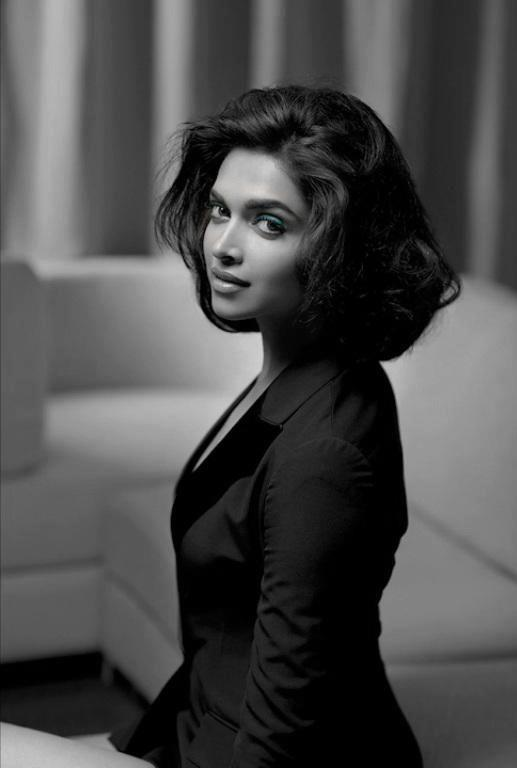 Deepika Padukone Nice Photo Shoot For L'Officiel India March 2013