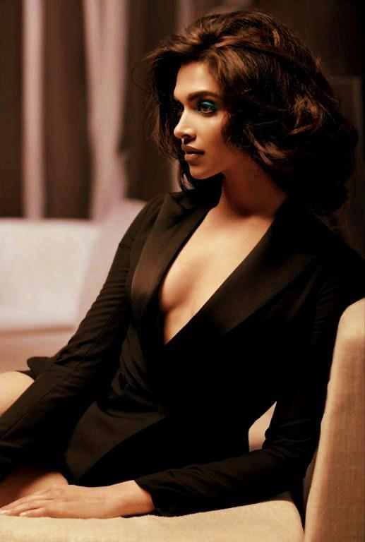 Deepika Padukone Sizzling Hot Photo Shoot For L'Officiel India March 2013