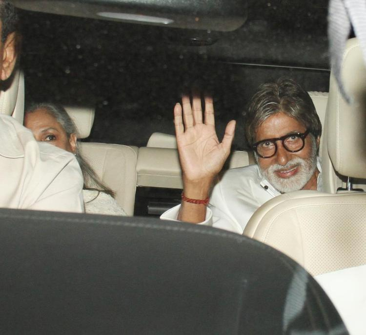 Amitabh With Wife Jaya Snapped In Car At The Success Meet Of Oscar Winning Film Lincoln