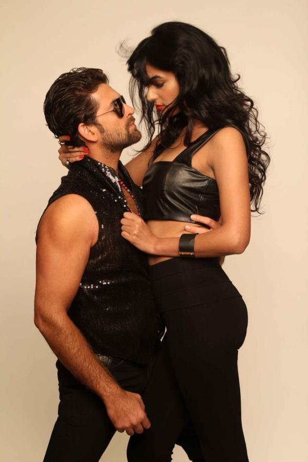 Hot Neil And Sexy Sonal Photo Shoot For 3G Cinema Promotion