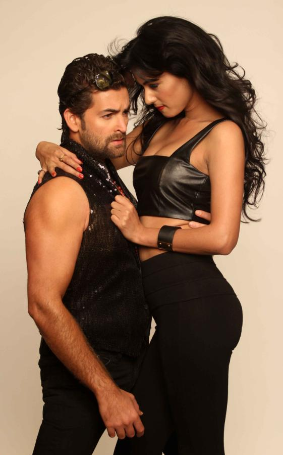 Neil And Sonal Bold Photo Shoot For 3G Cinema Promotion