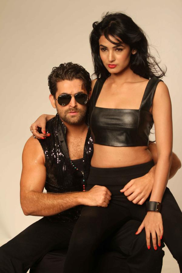 Neil And Sonal Nice Cool Photo Shoot For 3G Cinema Promotion