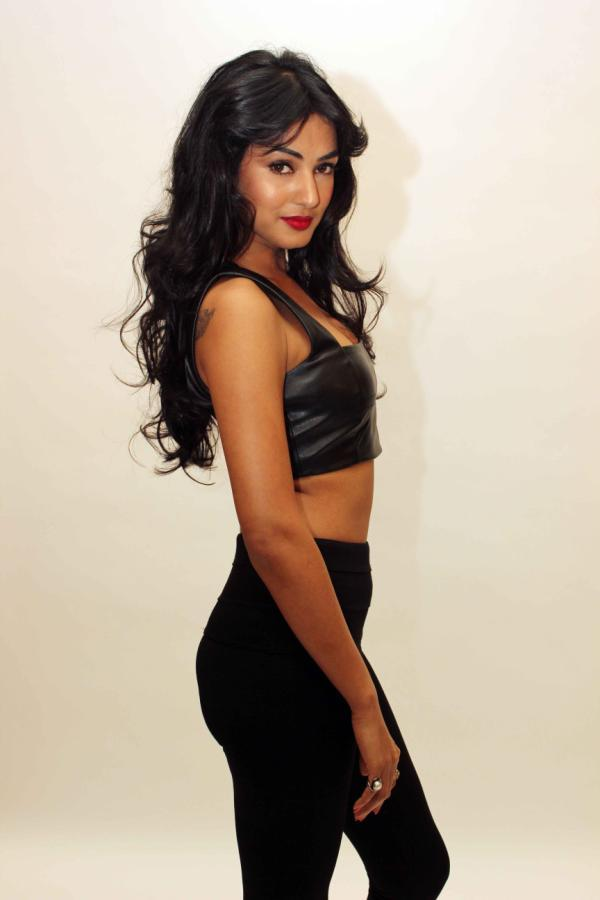 Sonal Chauhan Sizzling Photo Shoot For 3G Cinema Promotion