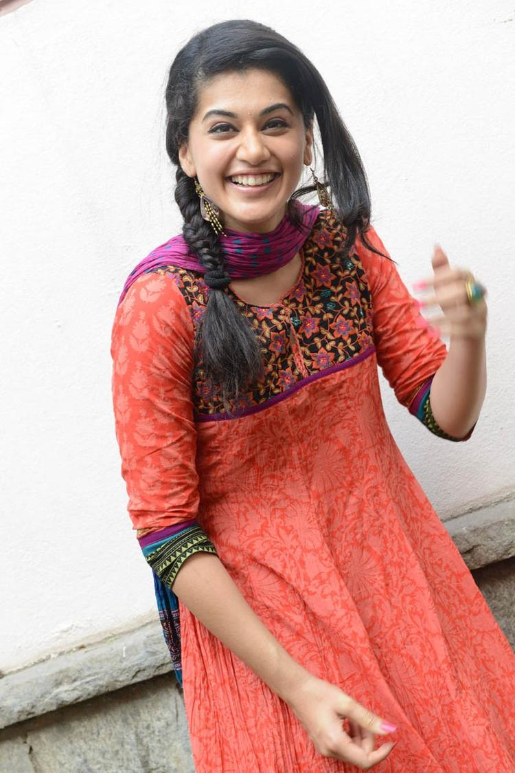 Taapsee Pannu In Orange Salwar Kameez Cool Smiling At Gundello Godari Movie Success Meet Function