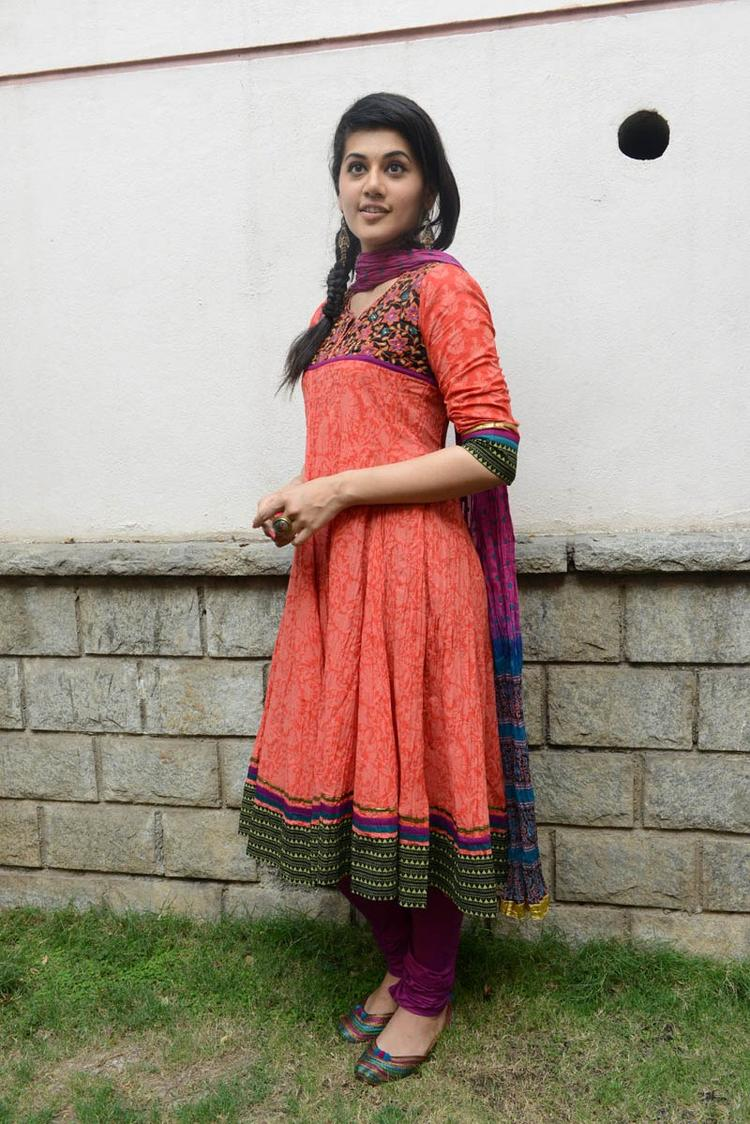 Taapsee Pannu In Orange Salwar Kameez Strikes A Pose At Gundello Godari Movie Success Meet Function