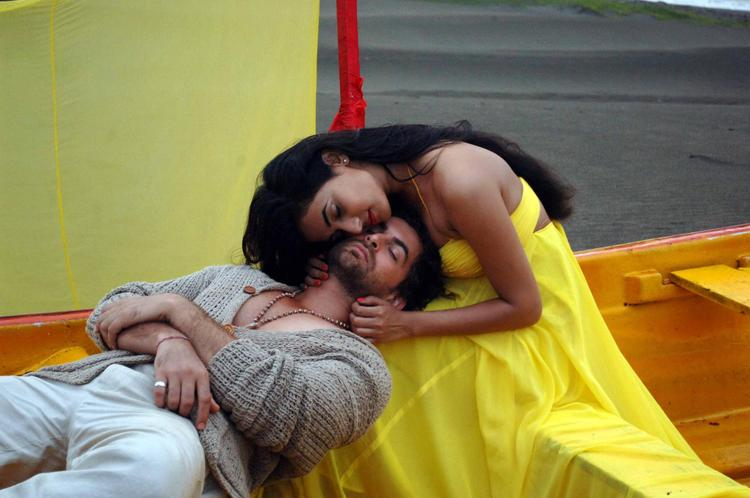 Sonal And Neil Nitin Hot Photo Still From Movie 3G