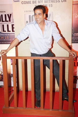Akshay Kumar Smiling Look During The Premiere Of The Film Jolly LLB