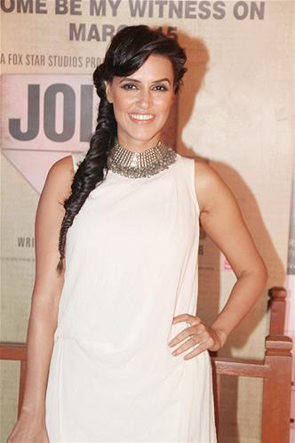 Neha Dhupia Flashes A Smile At The Premiere Of The Film Jolly LLB