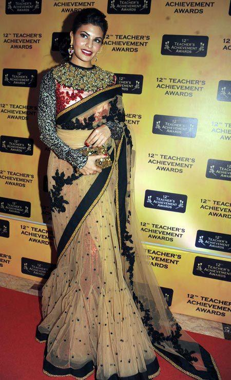 Jacqueline Fernandez Gorgeous Look In Red Carpet At Teachers Achievement Awards 2013