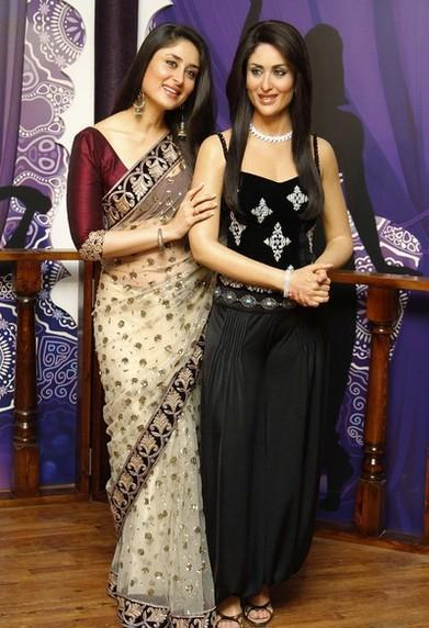 Kareena Posed With Her Wax Statue At Madame Tussauds
