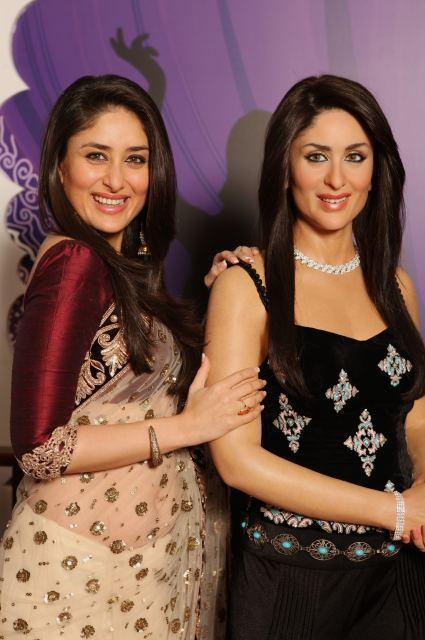 Kareena Smiling Cute Look With Her Wax Statue At Madame Tussauds