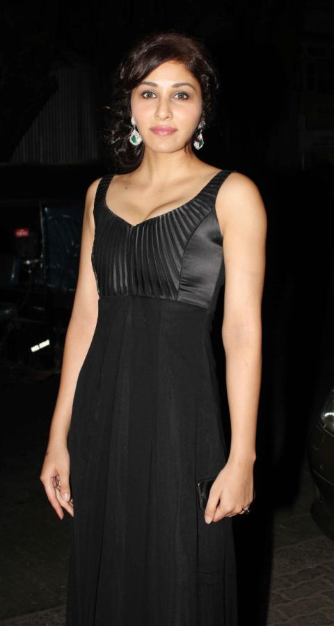 Pooja Looked Ravishing In A Black Gown At Femina Miss India Party