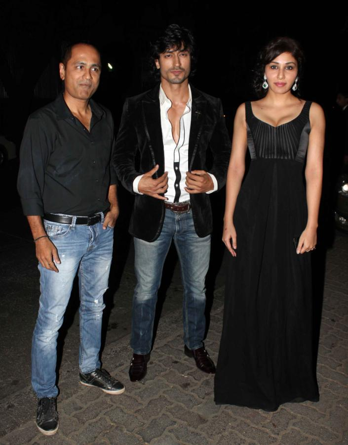 Vidyut And Pooja With A Friend Posed For Camera At Femina Miss India Party