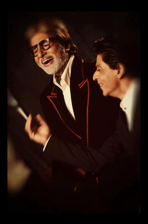 Big B And SRK Cool Smiling Look On The Sets Of Filmfare