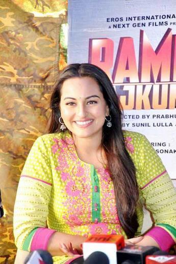 Sonakshi  Looked Gorgeous At Rambo Rajkumar Press Meet In Gondal
