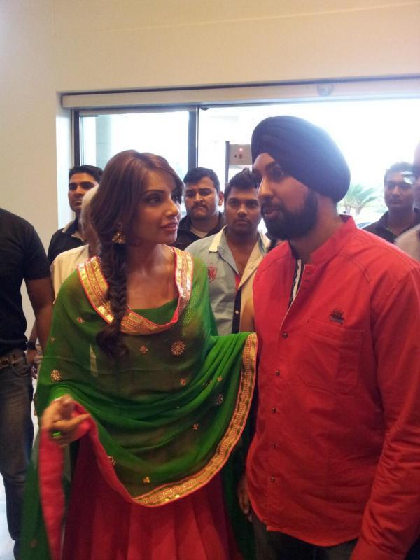 Bipasha Basu Snapped At The Promotional Event Of Aatma In Indore