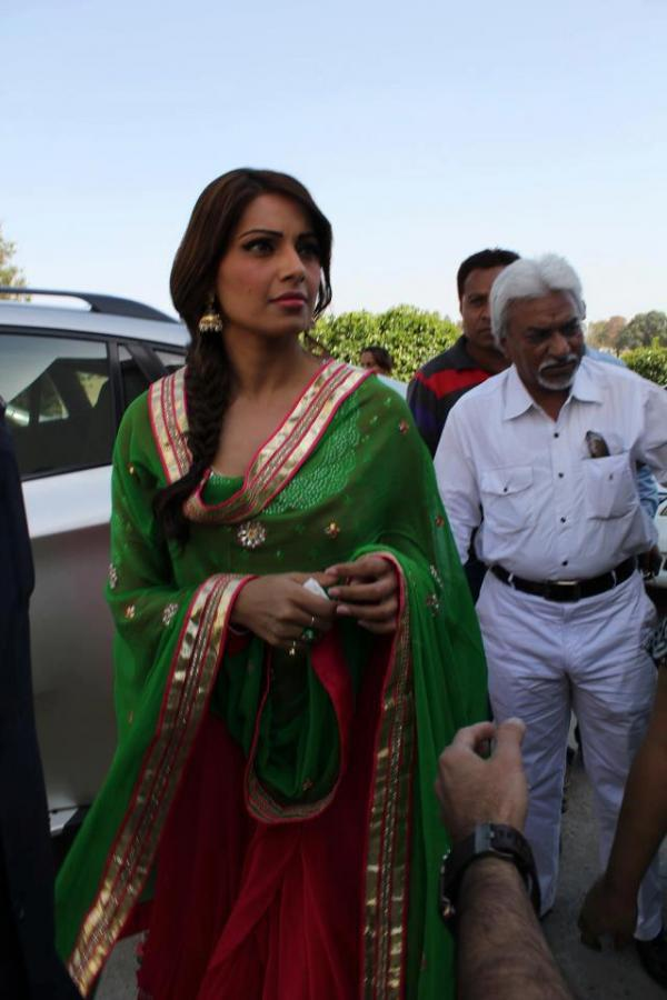 Bipasha Basu Spotted At The Promotional Event Of Aatma In Indore