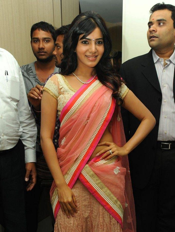 Samantha Posed For Photo At The Launch Of Diamond Jewellery In Kirtilal Jewellers