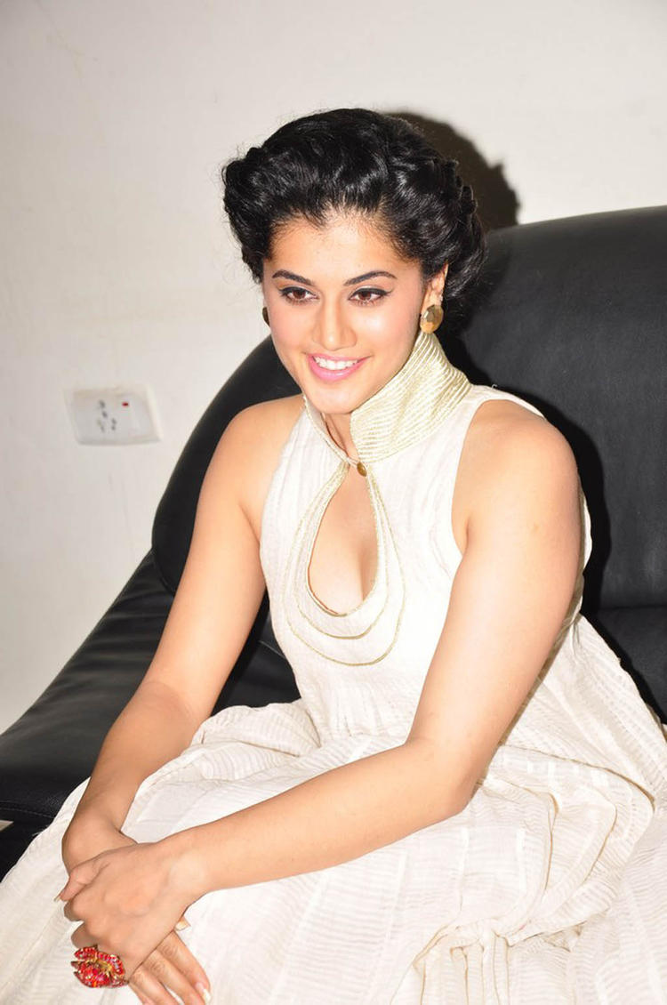 Taapsee Nice Look With Cute Smiling Photo Still At Shadow Audio Release Function