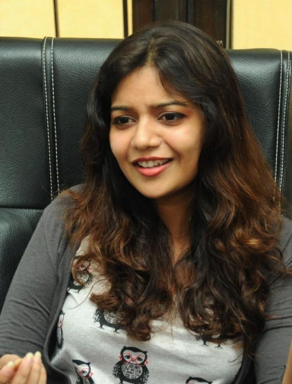 Swati Smiling Face Look Photo Still At Swamy Ra Ra Movie Interview