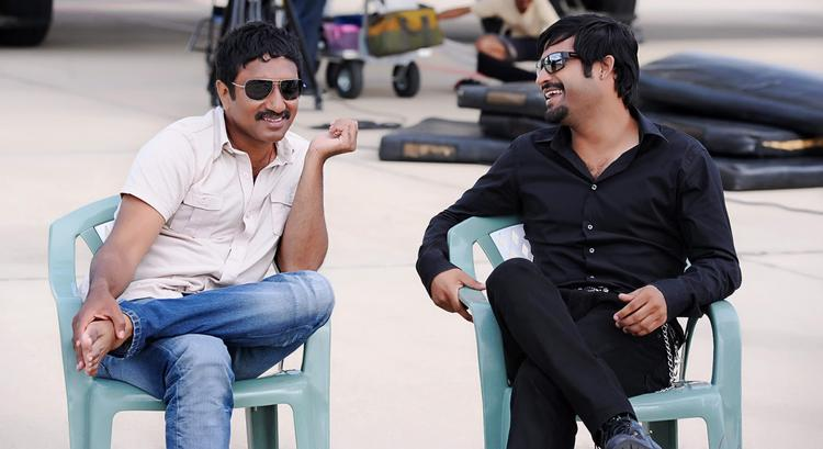 Srinu And Jr.NTR Stylish Look Photo Clicked On Baadshah Movie Location