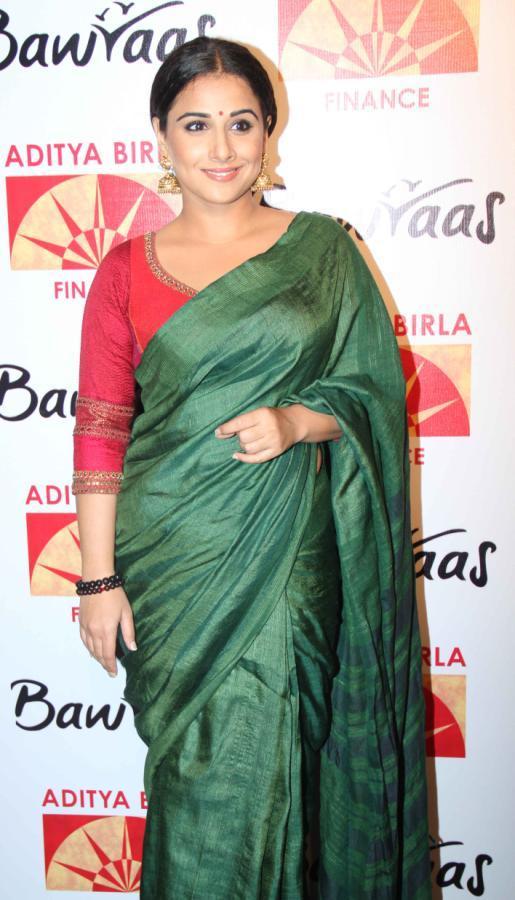 Vidya Balan Looking Gorgeous In A Green Saree At Bawraas An Evening Of Laughter