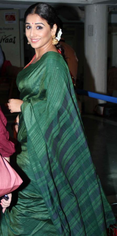 Vidya Balan Side Look Photo Clicked At Bawraas An Evening Of Laughter