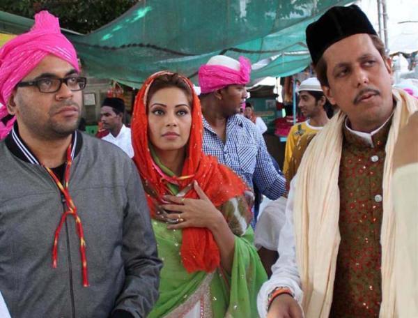 Bipasha Basu Snapped At Ajmer Sharif Dargah
