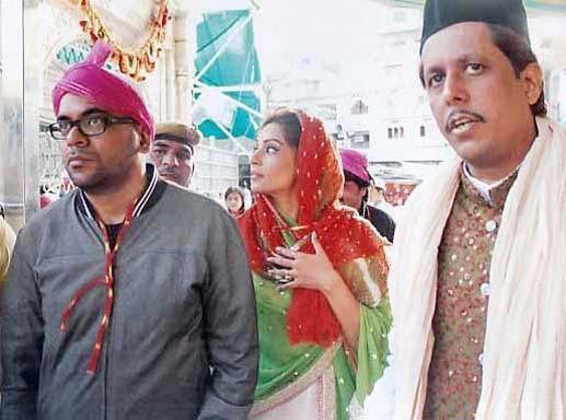 Bipasha Basu Spotted At Ajmer Sharif Dargah For Praying