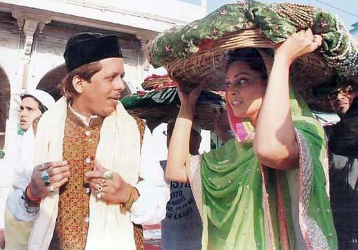Bipasha Hold Chadar On Head Photo Clicked At Ajmer Sharif Dargah