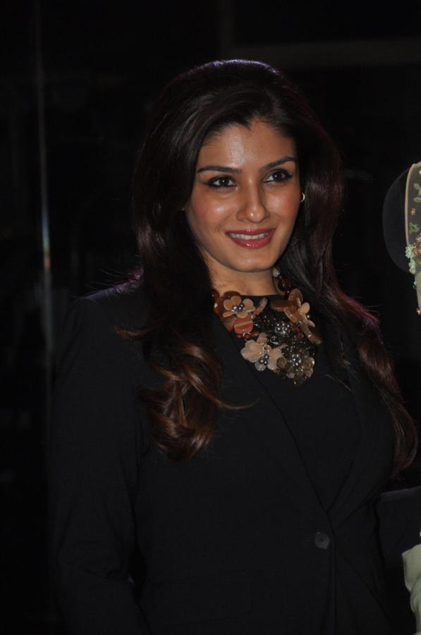 Raveena Glamorous Look Photo Clicked At Sonaakshi Raaj's Couture Line Launch