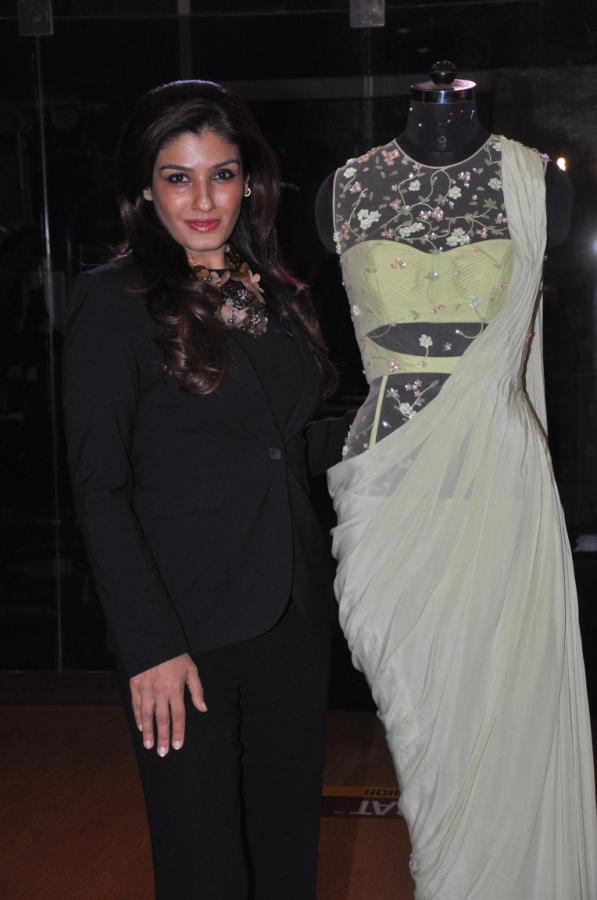 Raveena Posed For Camera At Sonaakshi Raaj's Couture Line Launch