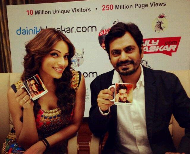 Bipasha And Nawazuddin Smiling Pose For Camera At Dainik Bhaskar Office For Aatma Promotions