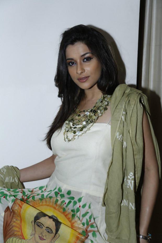 Madhurima Sizzling And Attractive Photo Still At Art-De Arahant Art Exhibition