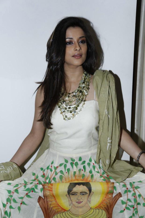 Madhurima Stunning Look Photo Still At Art-De Arahant Art Exhibition