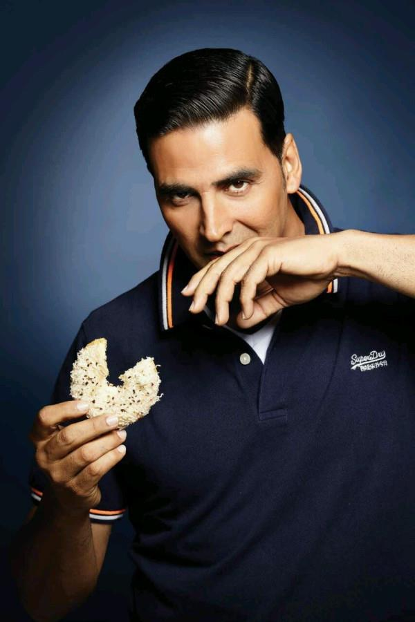 Akshay Glamour Look Photo Shoot In A Blue T-Shirt For Man's World Magazine